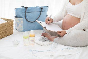 Wyprawka do szpitala dla mamy i maluszka – co należy zabrać?