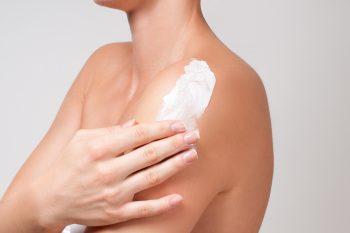 Ceramidy – czym są i jaką pełnią rolę w kosmetykach?