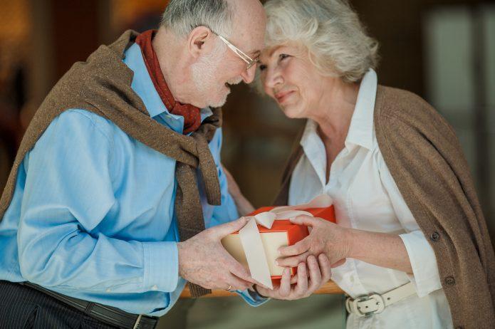 10 prezentów dla zdrowia seniora