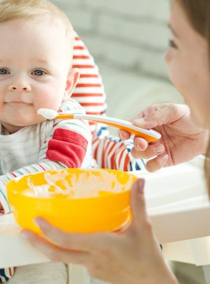 Rozszerzenie diety dziecka w produkty zbożowe. Jak zrobić to mądrze?