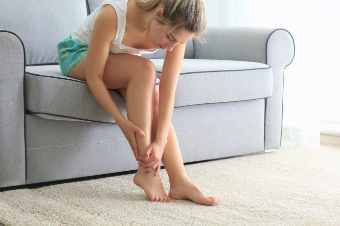 Zespół niespokojnych nóg – objawy, przyczyny i metody leczenia