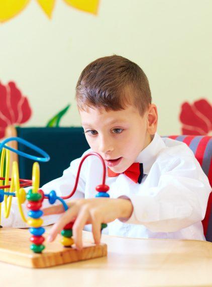 Mózgowe porażenie dziecięce – przyczyny, objawy, terapia
