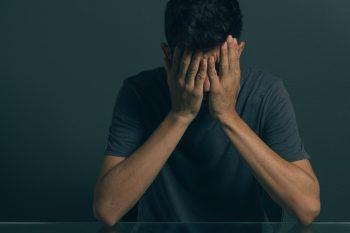 Depresja u mężczyzn – czy chorują inaczej i jak ich wspierać?