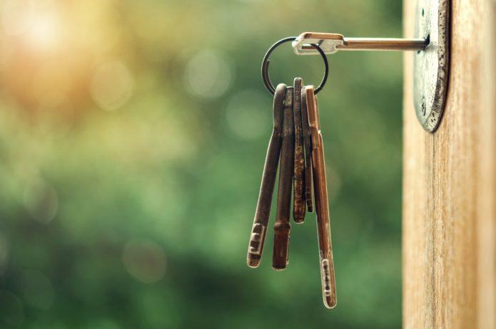 Klucz w drzwiach